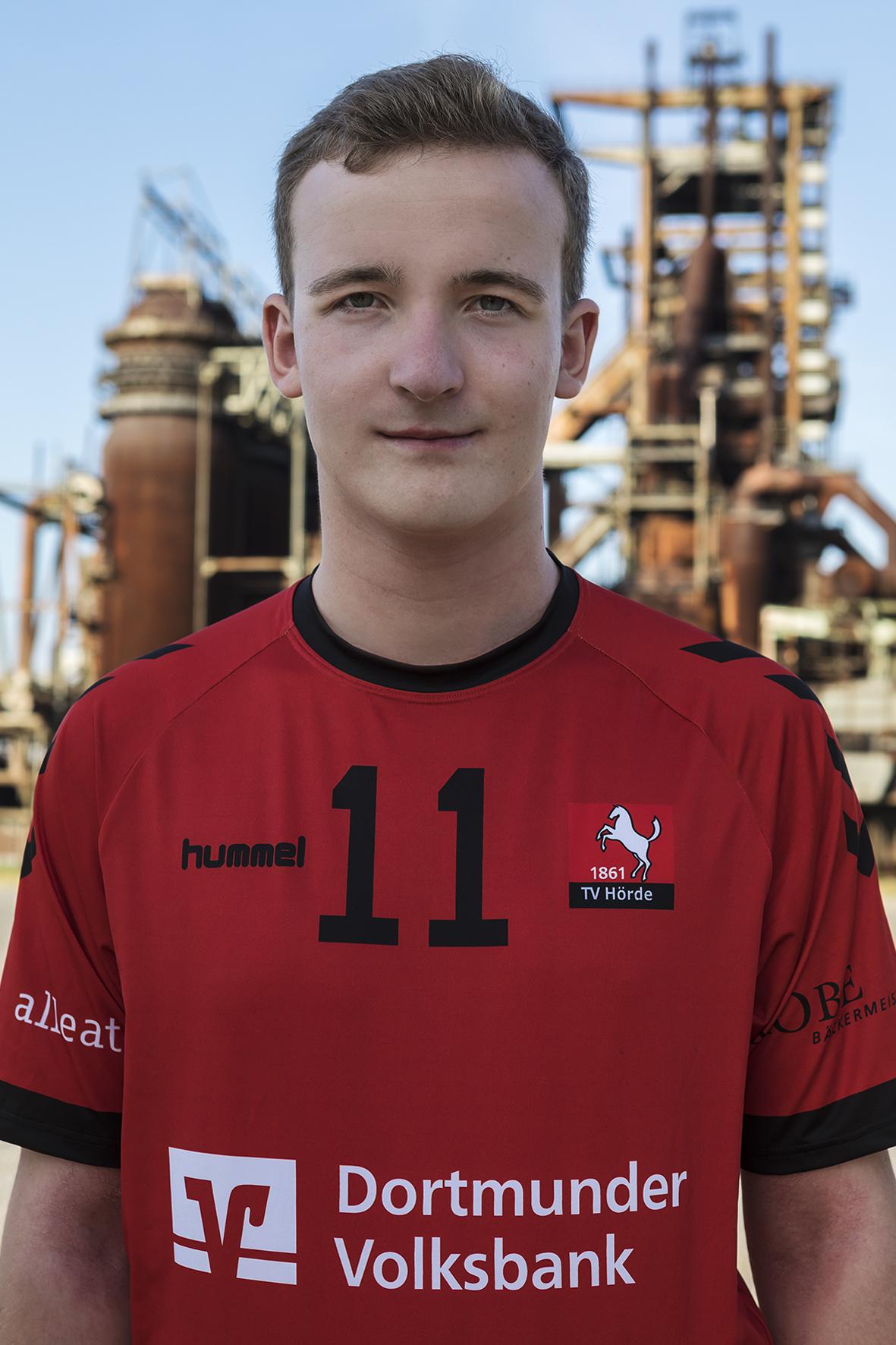 11 - Moritz Finke