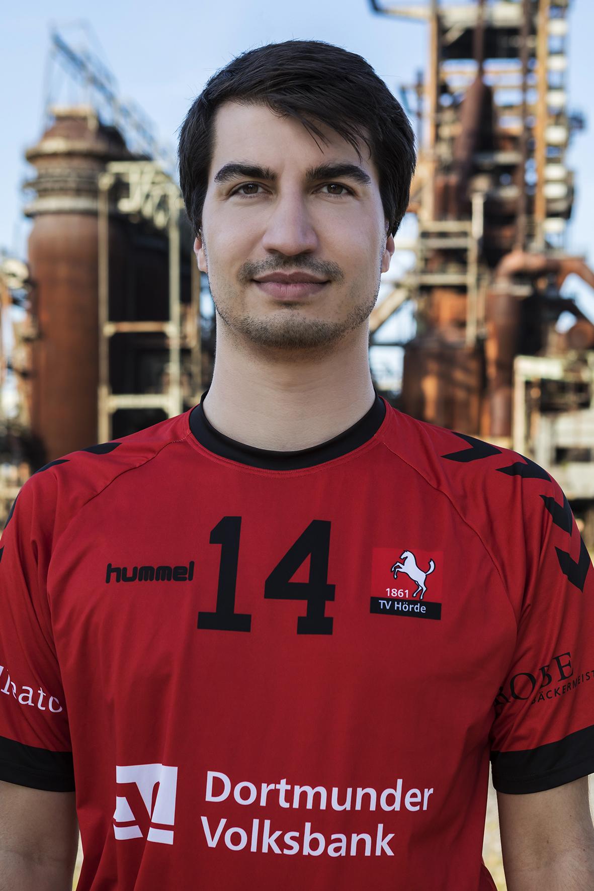 14 - Fabian Fingerhut