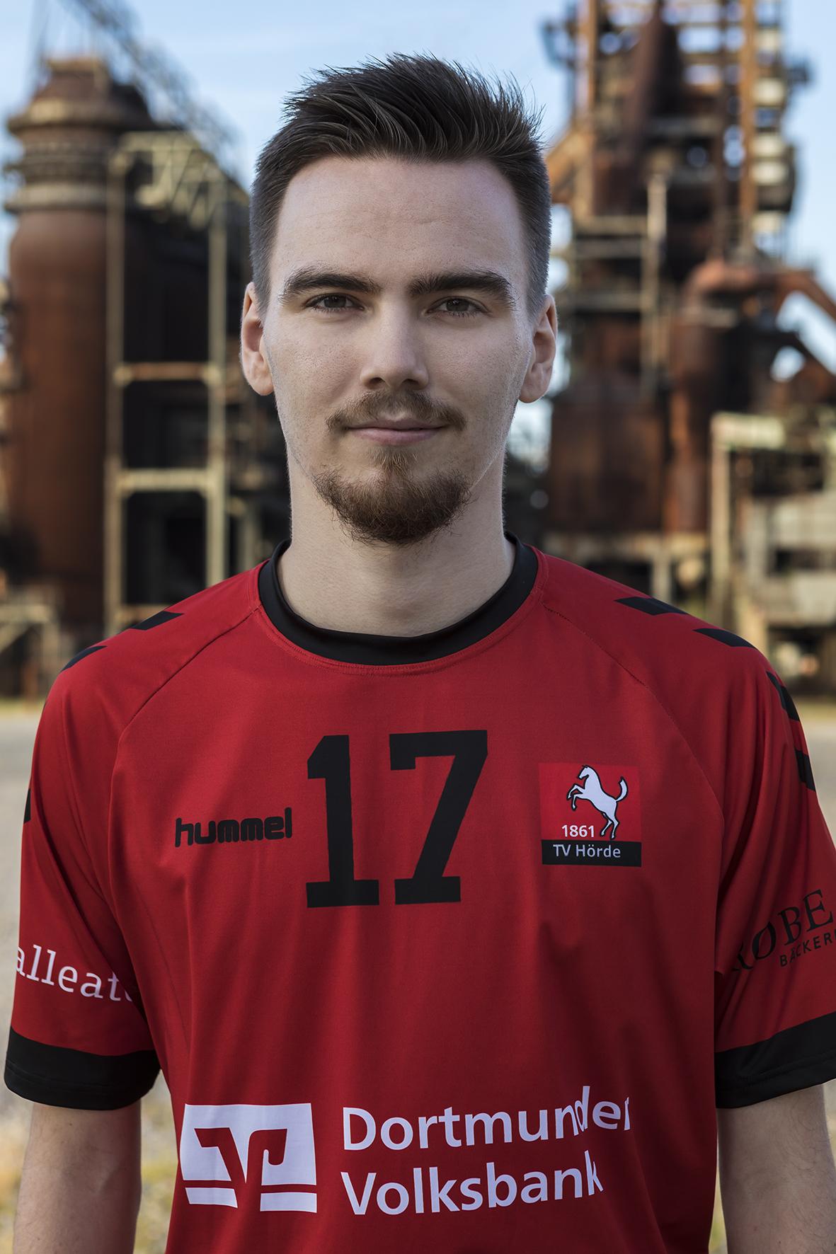 17 - Leon Voswinkel