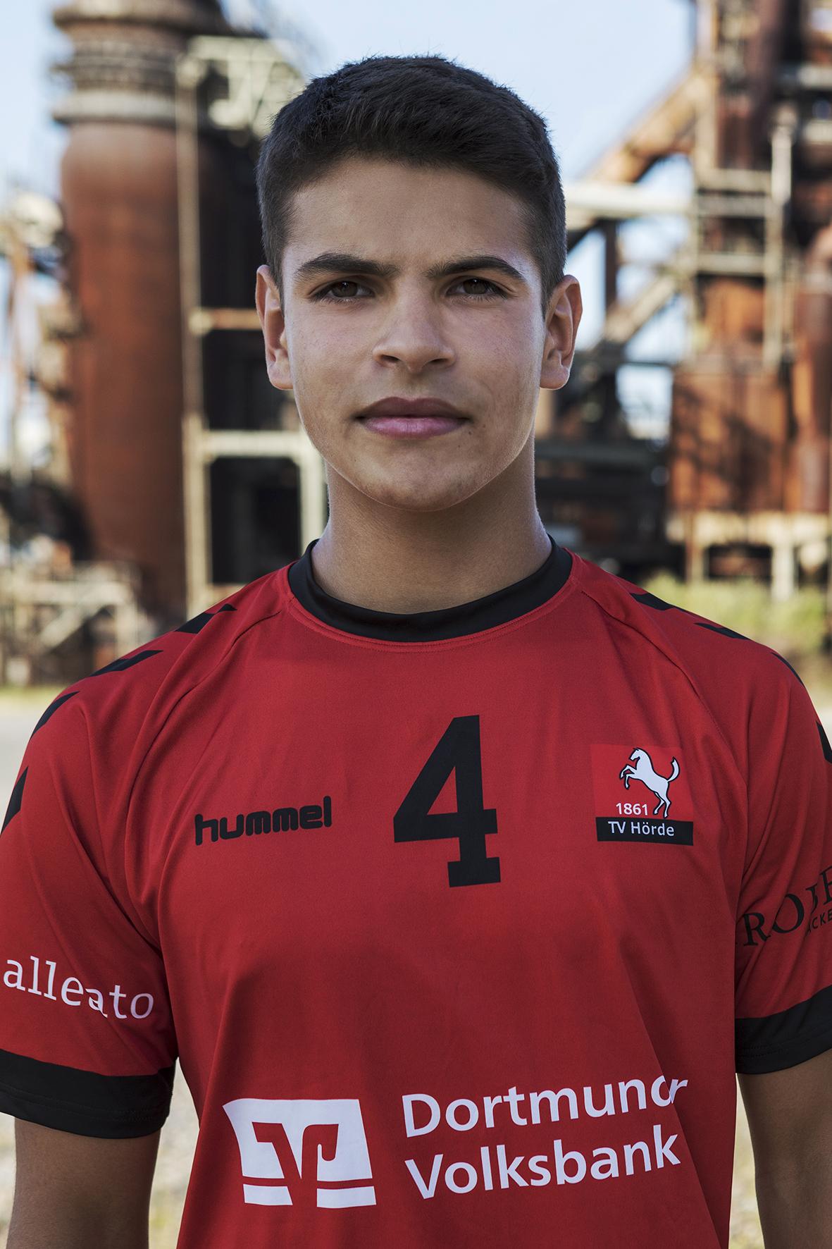 4 - Lukas Salimi